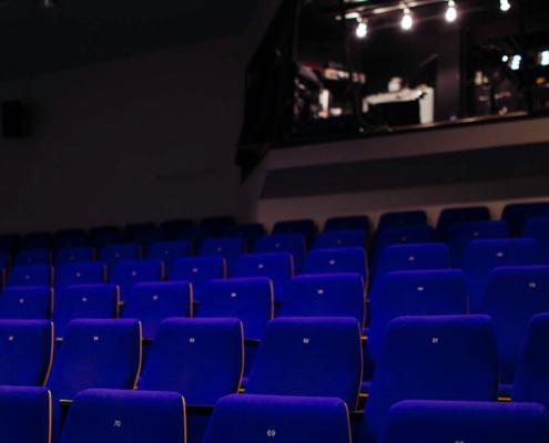 Riihimäen Teatterin katsomoa